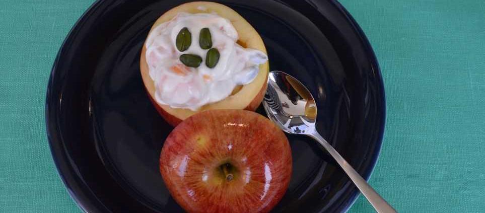 Apfel gefüllt mit Melone und Pistazien