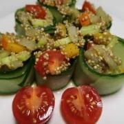 Gurkenrollen mit Quinoafüllung