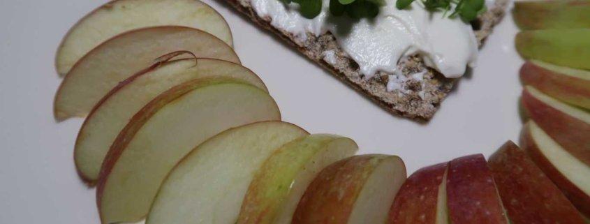 Knäckebrot mit Apfel
