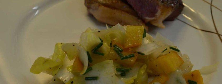 Rindssteak mit Mango Brusseler Salat