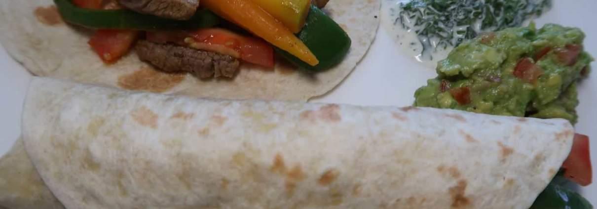 Tortillas mit Guacamloe