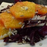 Chicorée Rosso mit Blutorangen und Sonnenblumenkerne