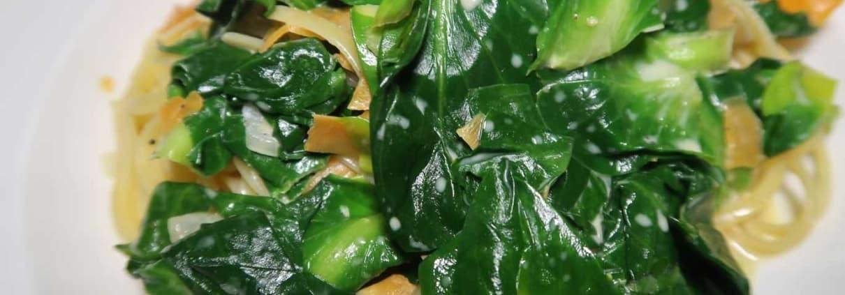Cicorino verde und Karotten