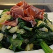 Spinat, Saubohnen und Jamon Iberico
