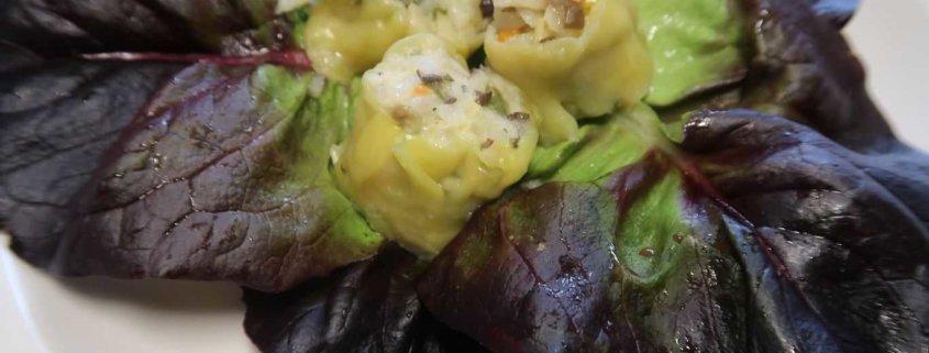 Dim Sum auf Salat