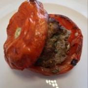 Tomate mit Hackfleisch gefüllt