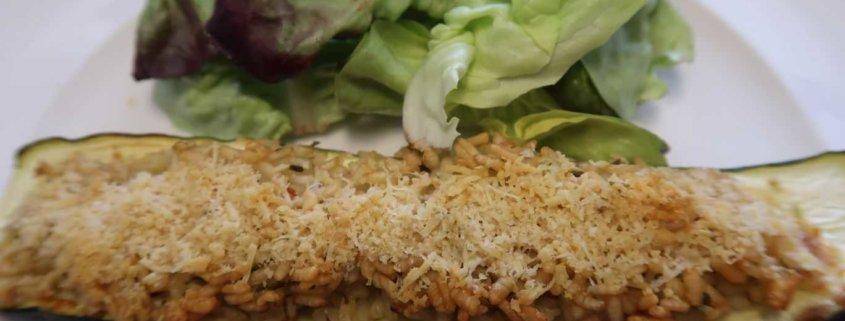 Zucchetti mit Reis und Parmesan