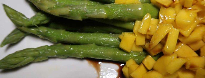 Spargel Mango Salat