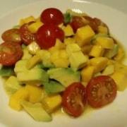 Avocado Mango Tomaten Salat
