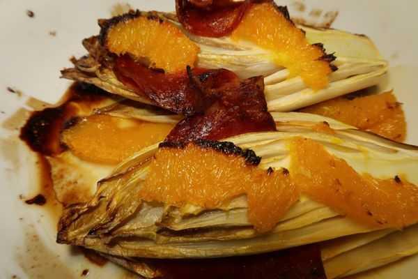 Chicorée mit Chorizo und Orangenfilets
