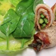 Spargelinvoltini mit Salat