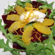 Randencarpaccio mit Orangenfiltes und Ricotta Nocke