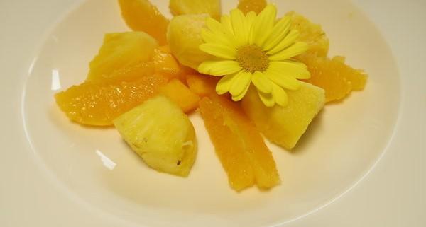 Gelbes Meune Fruchtsalat