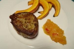 Rindsfilet mit Ofenkürbis und Aprikosenchutney