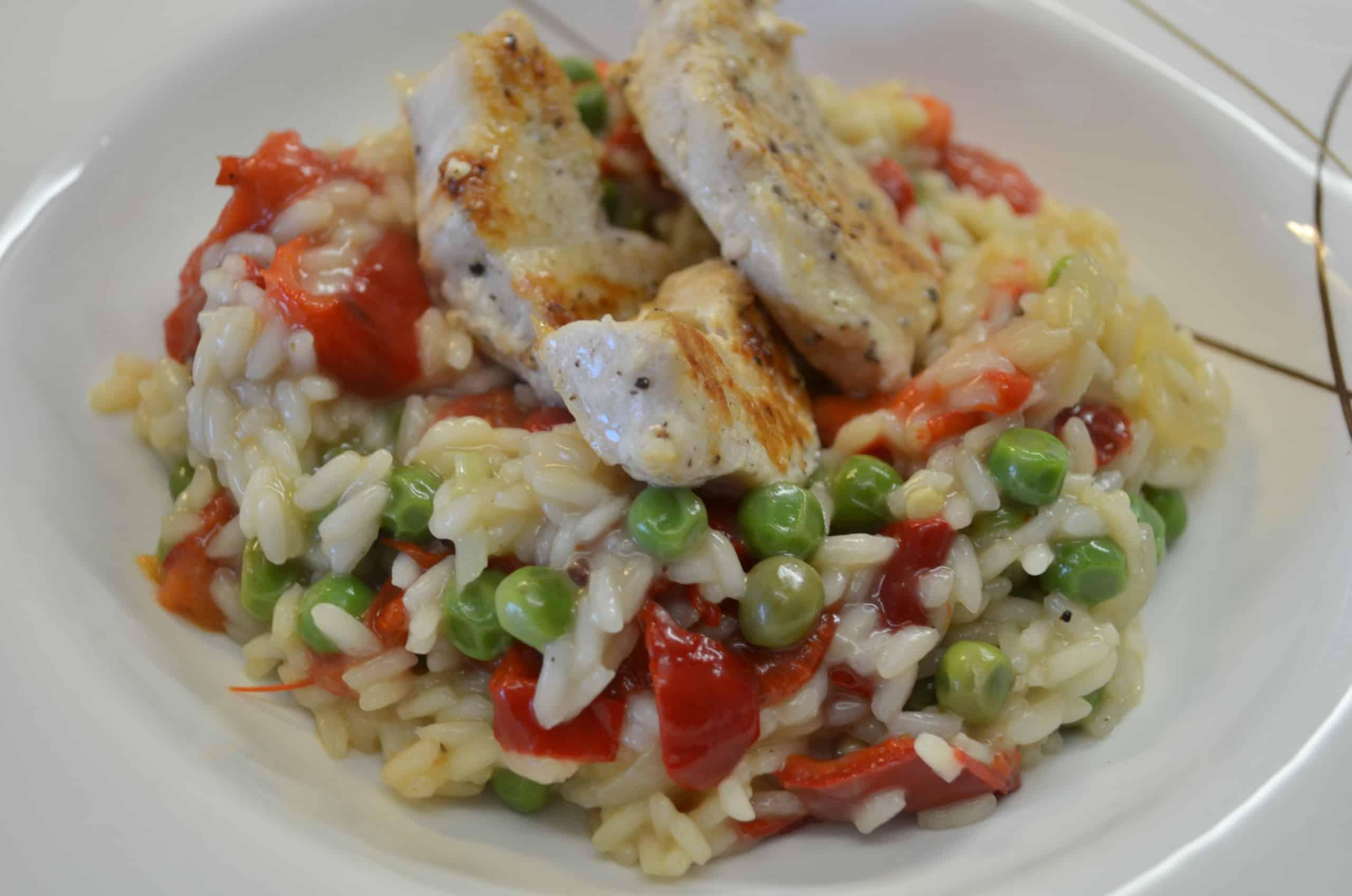 Reis mit Erbsen, Spitzpaprika und Poulet