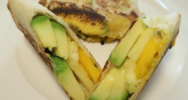 Avocado Ananas Mango in Brikteig