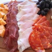 Plättli mit Käse und Früchten