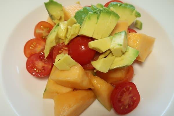 Tomaten Melonen Avocado Salat
