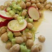 Kichererbsen Sellerie Radieschen Salat