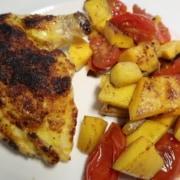 Pouletbrust mit gebratenem Kürbis und geschmolzenen Tomaten